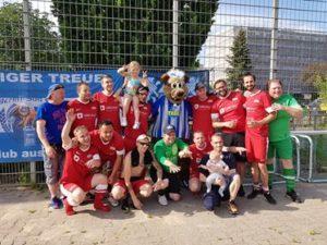 Berlin Team mit Bär